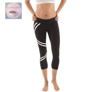 Yogatech City Night Black Capri Leggings Low Rise